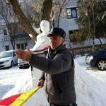 L-a sculptat pe Eminescu în zăpadă