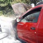 O mașină a luat foc. Pagube mari (Foto)